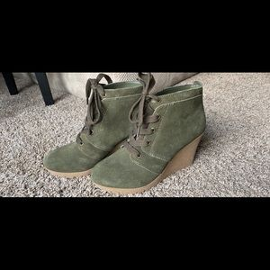 MIA Olive Green Wedges